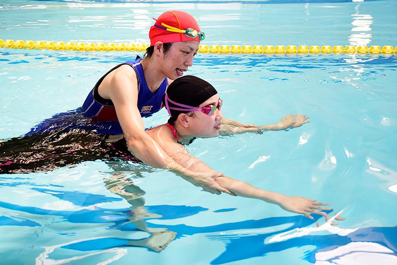 画像:はじめて二泳法(平・バタ)
